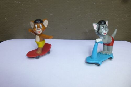 """""""TOM AND JERRY"""" FIGURINES ON SCOOTER & SKATEBOARD"""
