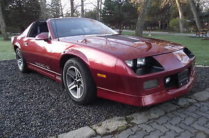 GORGEOUS-RARE-1987-CHEVROLET-CAMARO-IROC-Z28-T-TOP-V8-COUPE