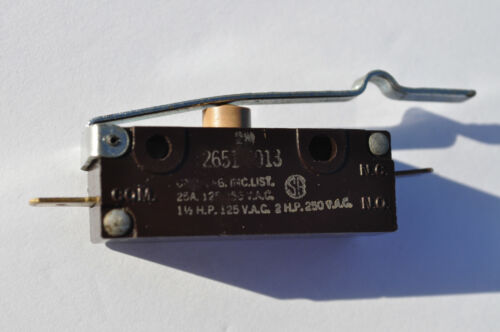 Vintage McGill Snap Action False Roller Actuator 25A 125V-250 V.A.C.; U.S.A.