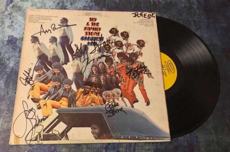 GFA Rare Band x7 * SLY AND THE FAMILY STONE * Signed Vinyl Record Album AD6 COA