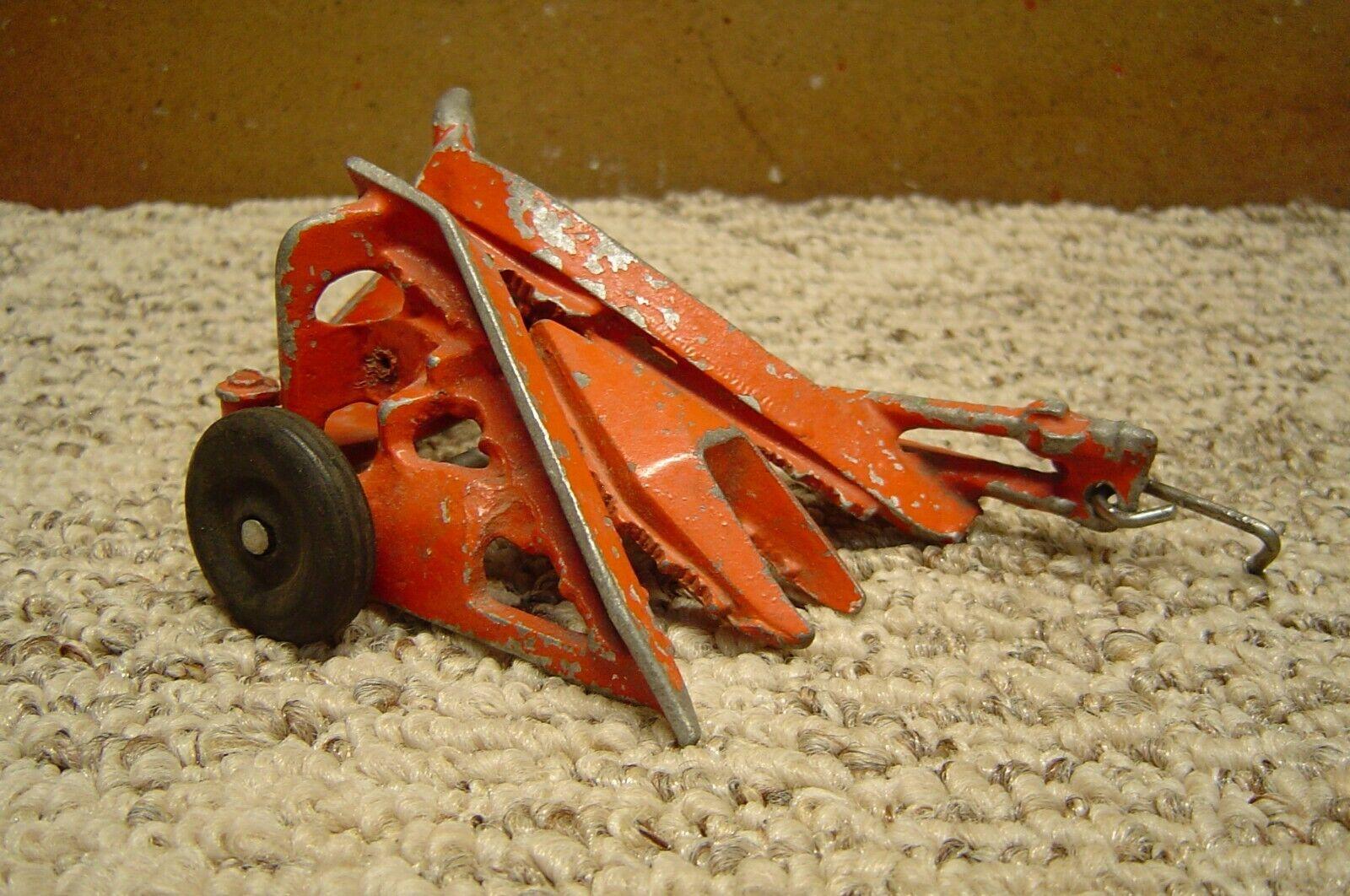 Vintage 1/25 Scale Slik-Toys Red Diecast Corn Binder NICE  - $9.50