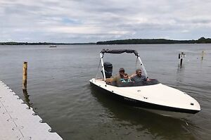 17' Speed boat low hours