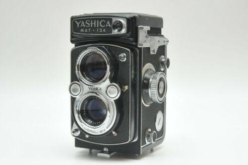 Classic Yashica Mat-124 6x6 TLR Camera 80mm f3.5 Lens