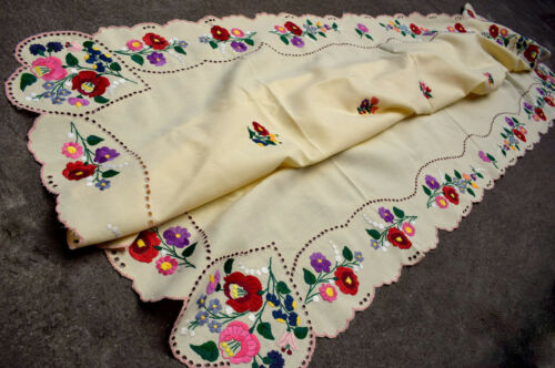 Vtg Original Hungarian KALOCSA Richelieu Embroidery Tablecloth  115x184cm
