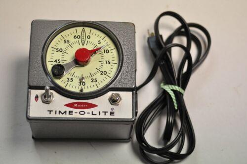 Industrial Master Time-O-Lite model M-72 darkroom timer for printing. TESTED.