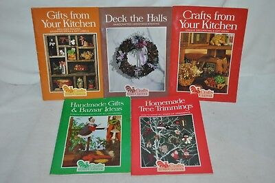 5 VINTAGE CRAFT from Current PATTERN Christmas Wreath Recipes Ornaments magazine](Christmas Wreath Recipe)