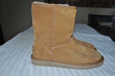 KOOLABURRA by UGG  Women's Chestnut Sued Leather Sheepskin Boots Size: 6