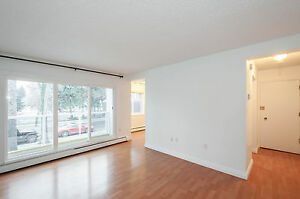 Looking for a BALCONY? 1  bedroom in St Charles-Oliver Square