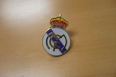 Soccer Football Brooch REAL MADRID  FC Pin Brooch Metric Emblem Badg