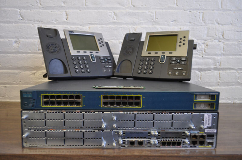 CISCO CCNA & CCNP VOICE (CCVP) Lab Kit with CME 8.6 Call Manager Express