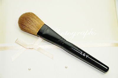 L&Y Makeup Brush