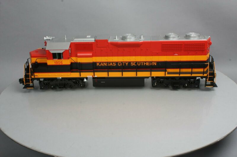USA Trains R22232 G Kansas City Southern GP 38-2 Diesel Locomotive #1902