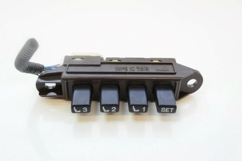 LEXUS GS 450h 2007 RHD FRONT LEFT SEAT MEMORY SWITCH 15A695 / 15A912