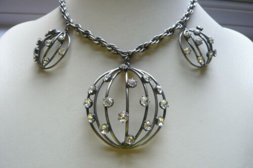 Vintage Joseff of Hollywood Domed Paste Necklace
