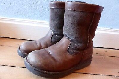 ★ UGG ★ Kinder Jungen Mädchen Stiefel Boots Lammfell dunkelbraun ★ Gr. 31
