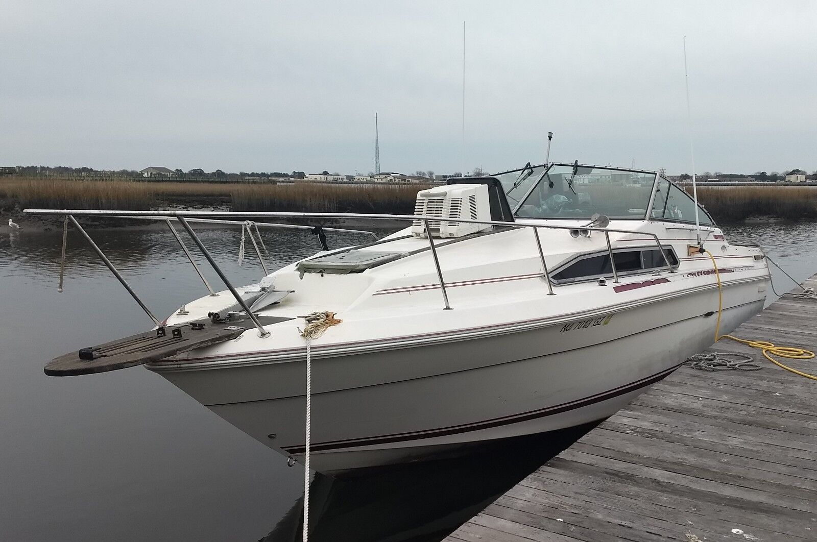 1985 Sea Ray Sundancer 27' Cabin Cruiser - New Jersey