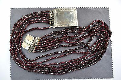 antikes 7-reihiges Kropfband, Granatkette, Silberschließe um 1850 Biedermeier
