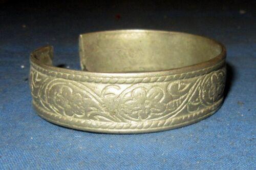 """Bracelet Vintage Afghan Kuchi Tribal Alpaca Silver 2.25"""" diameter"""