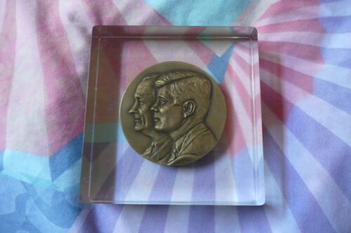 Vintage  Kennedy /Johnson 1961 Inaugural Bronze Medal incased in Lucite