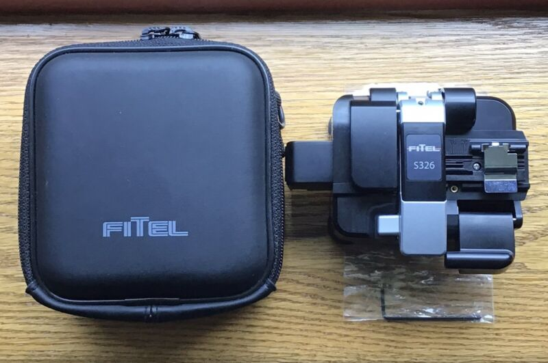 Fitel S326 Fiber Optic Cleaver With Case