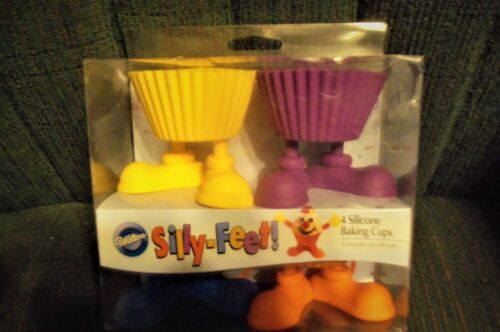 Wilton SILLY FEET Cupcake Silicone Baking Cups Set Of 4 CUTE FUN!