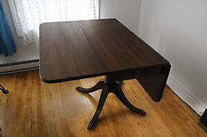 Duncan Phyfe Drop Leaf Table - Claw Detailing with LionHead Pull Kitchener / Waterloo Kitchener Area image 3