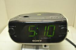 Sony Dream Machine FM/AM CD Dual Alarm Clock Radio ICF-CD815 Used