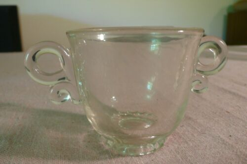 ANTIQUE table item esTaTe SaLe 4th gEnEraTiON FaMiLly owned ● Glass sugar bowl