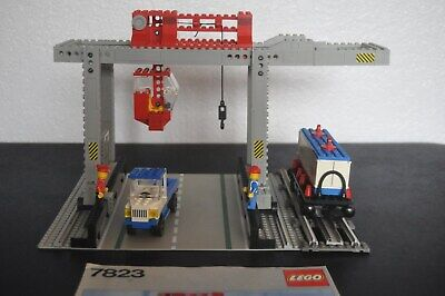 LEGO 7823 CONTAINER CRANE DEPOT Vintage Train Complete