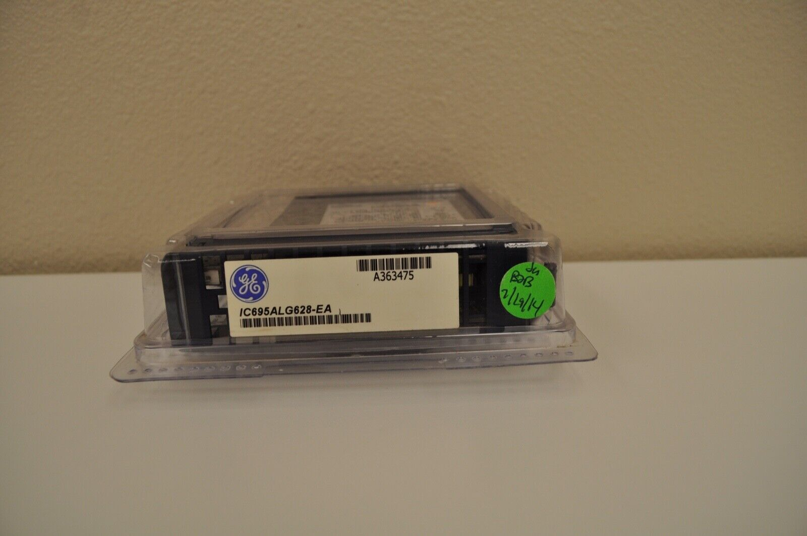 GE IC695ALG628-EA RX3i 8 SE/4 Diff Channel Hart Analog Input Module. New Surplus - $1,249.00