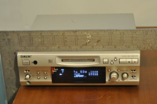 Sony MDS S707 compact size Minidisc Player/ Recorder TESTED play/record working