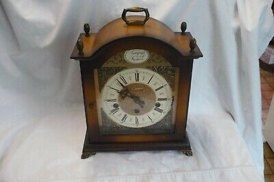 VINTAGE WOOD BRASS FRANZ HERMLE CHIMING MANTLE CLOCK 2 JEWELS WEST GERMANY 1050