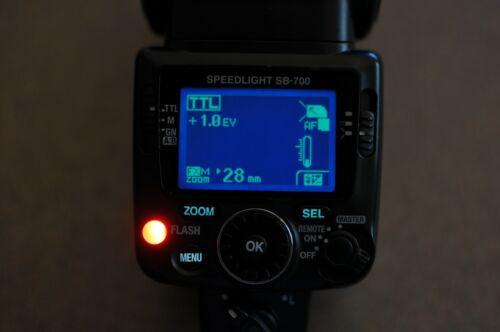Nikon SB-700 Speedlight I-TTL Flash - Inverted Screen -