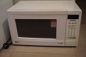 Free Microwave Pearsall Wanneroo Area Preview