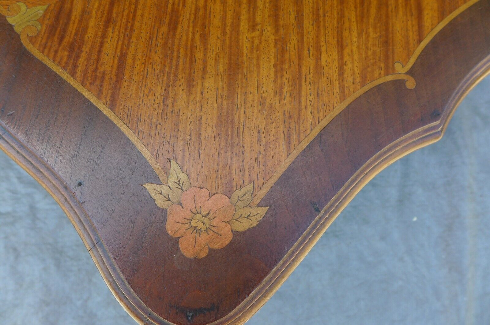 Italian Inlaid Marquetry Petite Coffee Table Floral Design Carved Leg Vintage - $399.00