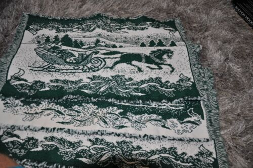 Placemats Reversible Currier & Ives Christmas Green & White Set of Six Seasonal