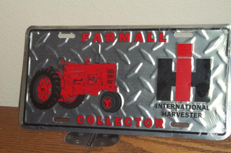 INTERNATIONAL HARVESTER TRACTOR -  Diamond plate Metal License Plate, NEW