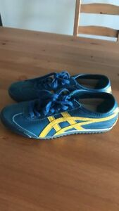 Onitsuka tiger blue and yellow sneakers size 6