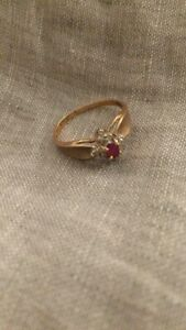 Vintage Gold Ruby Diamond Ring