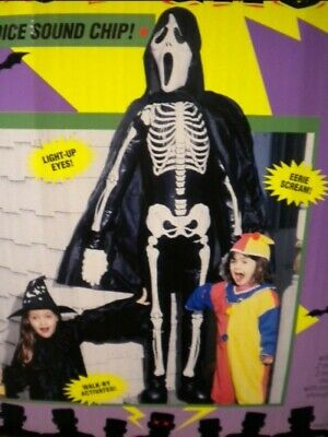 Scream Halloween Decorations (AS IS - LIFESIZE SCREAM SKELETON HALLOWEEN PROP FIGURE DECORATION - 6')