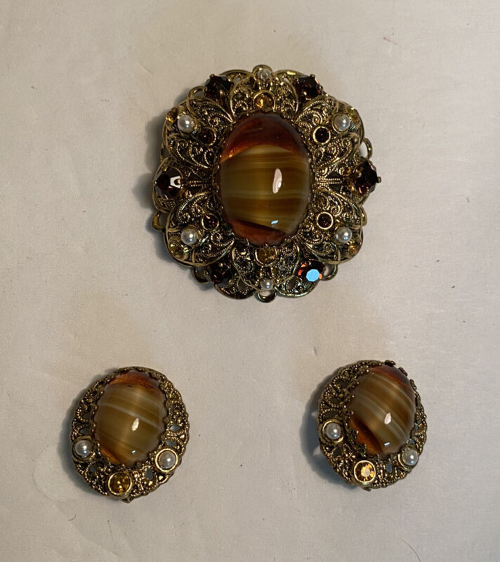 Vintage W Germany Goldtone Glass Round/Oval Cabochon Brooch Clip-On Earring Set