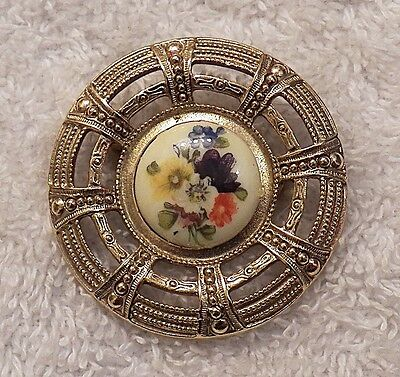 - CLASSIC PIN CAMEO BROOCH ROSE FLOWERS PETALS LEAF FLORAL DESIGN COLORFUL  DS-7