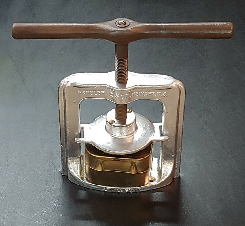 Handler & Son Dental Lab Flask Press Little Giant & 22C Special Dental Mold
