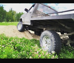Lifted 95 Ford F-150 300 straight 6 for $3000 or trade