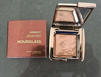 Hourglass Ambient Lighting Bronzer - luminous bronze Light