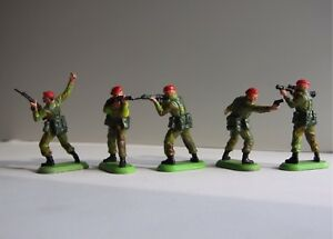 BRITAINS DEETAIL PARATROOPERS