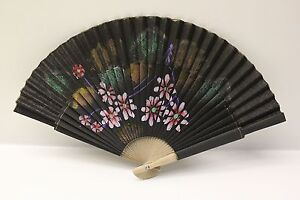 NEW Beautiful Oriental Style Chinese Fan Hand Painted Pretty Floral Design