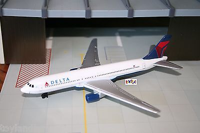 Diecast Rt4994 Delta Airlines Airplane Boeing 767 1 375 Scale New Livery New