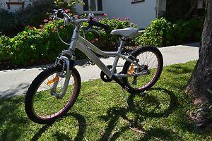 Giant Areva 2015 20` Girl Bicycle Nedlands Nedlands Area Preview