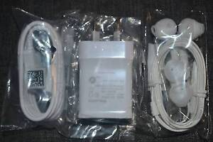 Samsung Charger + Earphone (COMBO Deal) Hallam Casey Area Preview